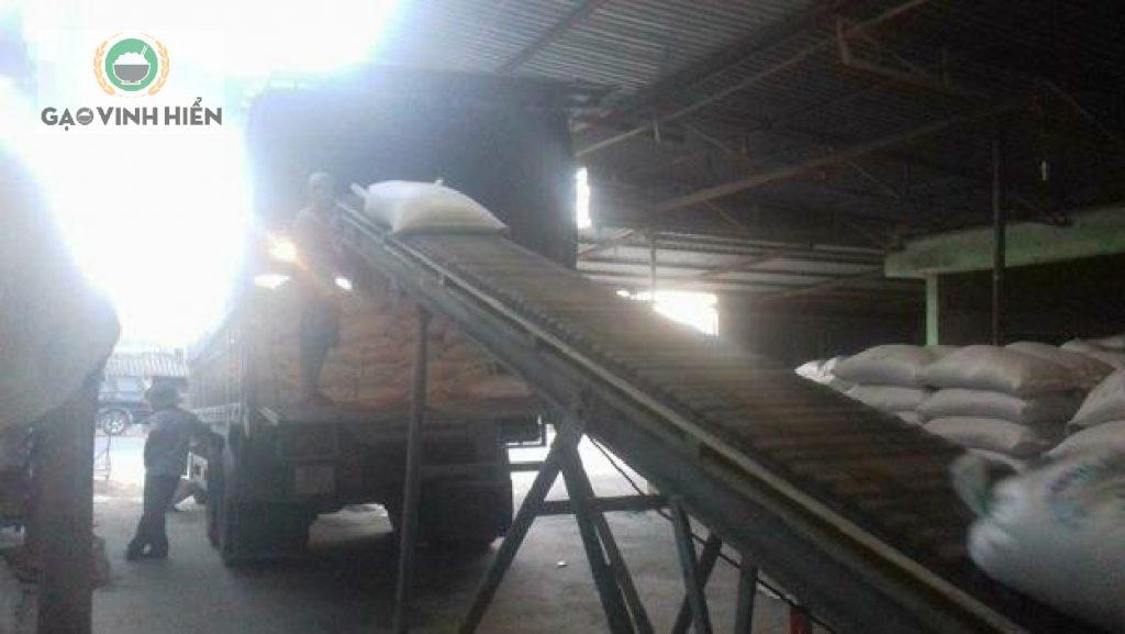 nhà máy gạo Vinh Hiển cung cấp gạo cho đại lý