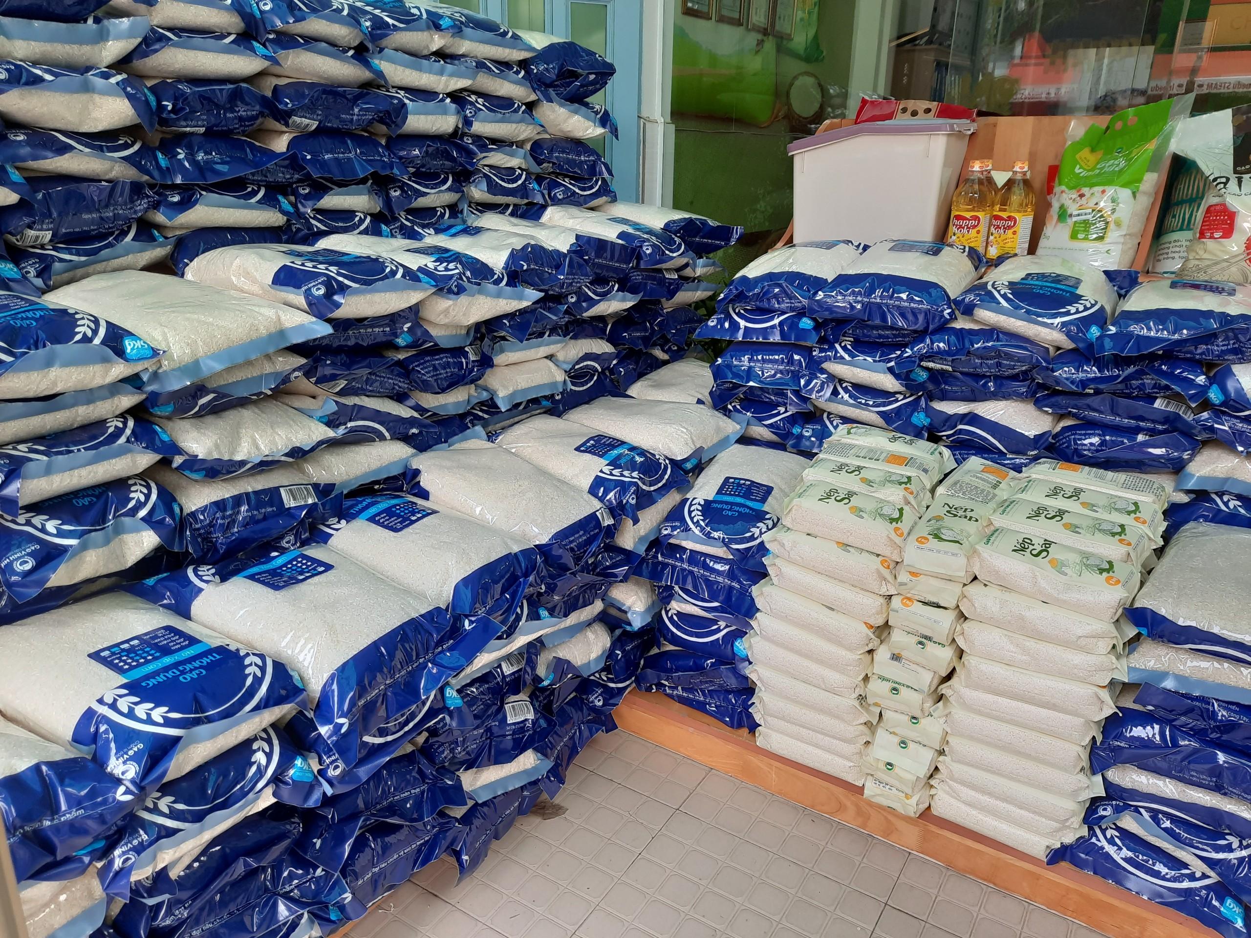 gạo từ thiện vinh hiển